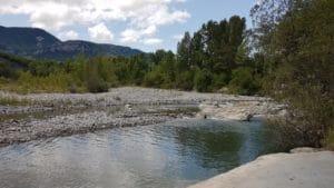 retraite de yoga en Provence Spot bain et jacuzzi dans le Jabron