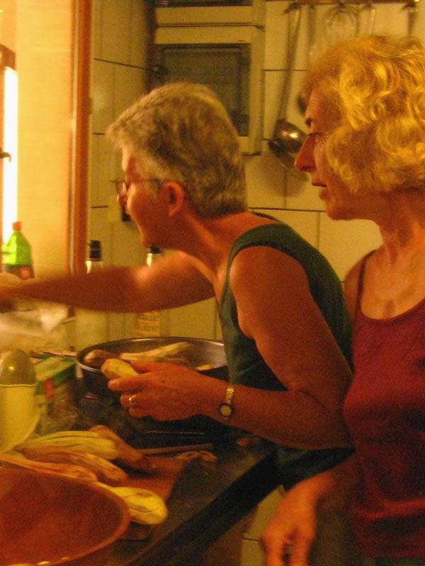 Divas-cooking.jpg